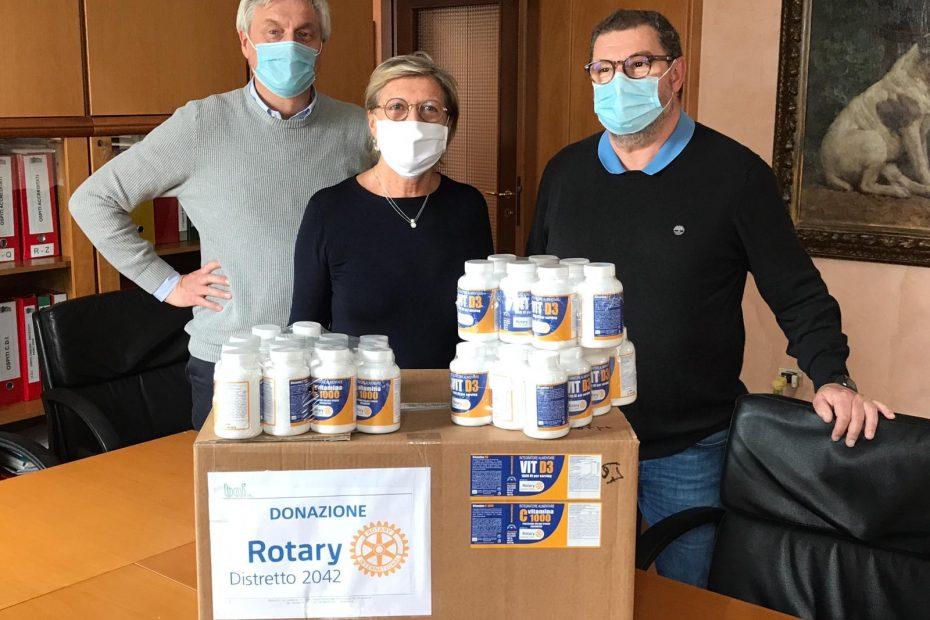 Il rotary club Meda e delle Brighiere distribuisce integratori e vitamine